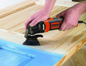 Multiherramienta Black and Decker Oscilante MT300AT-QS lijar