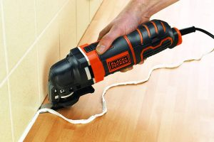 Multiherramienta Black and Decker Oscilante MT300AT-QS quitar silicona