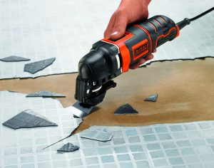 Multiherramienta Black and Decker Oscilante MT300AT-QS desbaste